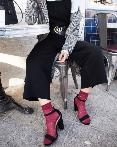p3hm0j-l-610x610-pants-tumblr-black+pants-cropped+pants-overalls-dungarees-black+overalls-sandals-high+heel+sandals-sandal+heels-black+sandals-socks+sandals-socks-gucci-gucci+belt-logo+b